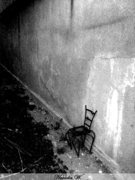A_little_chair_in_the_darkness_by_nachacoke