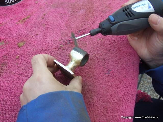 Nettoyage d'un chaumard en bronze bien corrodé