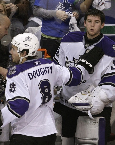 canucks_kings_game5_1.jpg
