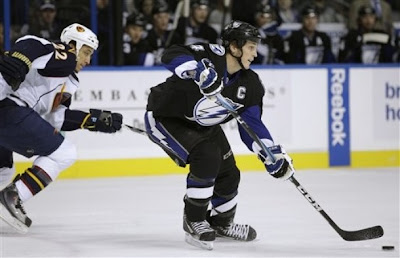 lightning_dec15_thrashers4.jpg