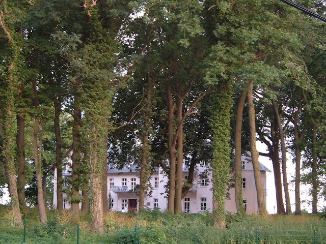 Jagdschloß zu Hohen Niendorf/ bei Kühlungsborn - Schloßpark
