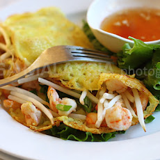 Banh Xeo Recipe (Vietnames Coconut Crepes with Pork, Shrimp, and Bean Sprouts)