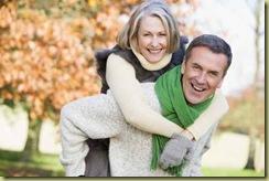 foto-homem-fotos-gratis-senior-homem-mulher-dando-carona-rodo-7841541