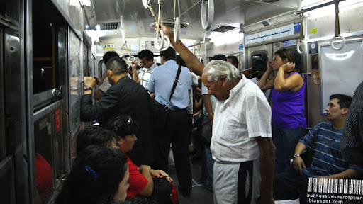 Commuters in the subterráneo of Buenos Aires in Argentina