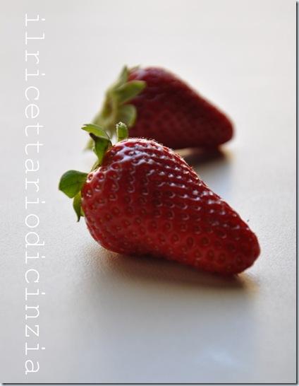 Strudel di fragole ricotta e vaniglia