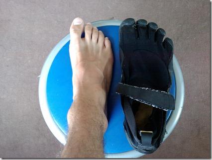 runmygeek nus pieds barefooting vs vibram five fingers