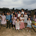 Los Cuadros Crusade children gather.jpg