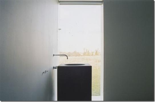 Casa de Valentina - via ShootFactory - em um haras - lavabo