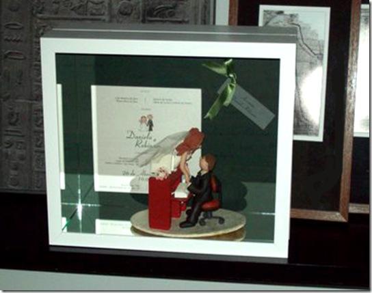 Casa de Valentina - caixa com topo de bolo da Daniela