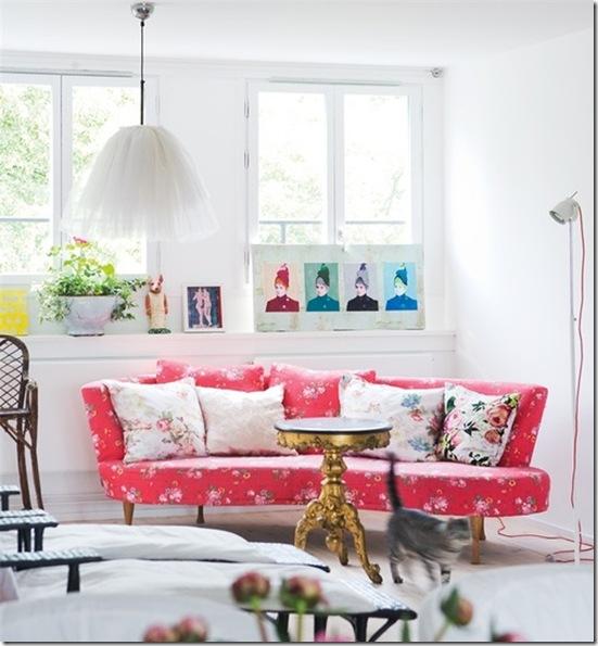 Casa de Valentina - via Lovely Clusters - sofá estampado