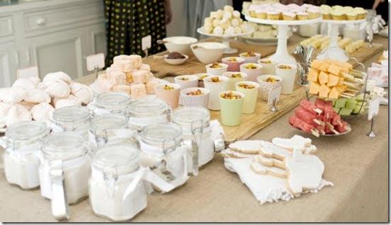Casa de Valentina - via Brides Little White Book - um chá de bebe rústico em tons claros - detalhes