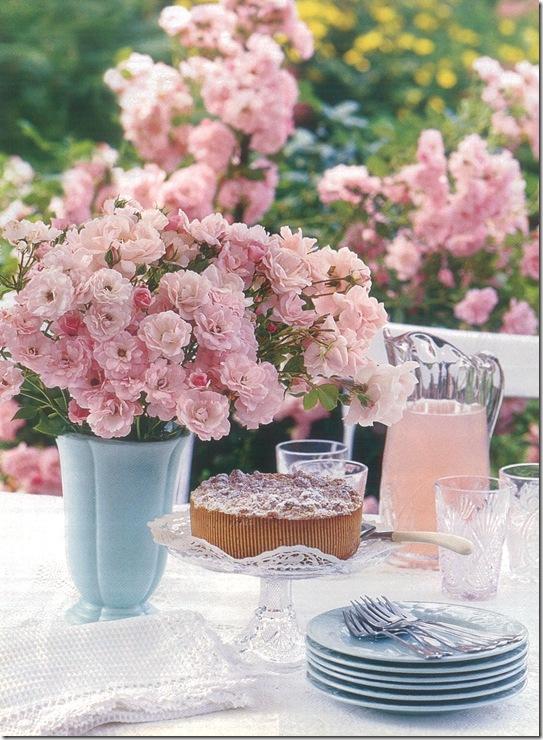 Casa de Valentina - via Country Home - para um chá bem feminino