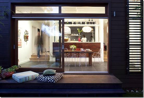 Casa de Valentina - Feldman Architecture - uma casa de 1960 em San Francisco - janelas a noite