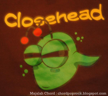 Foto poster wallpaper Closehead dari Chord dan Lirik Closehead Berdiri Teman