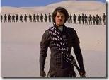 Grupo de guerreros Fremen y su lider (escena de la versión cinematográfica de David Lynch)