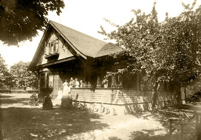 Van der Woude House Handsome Avenue-Sheva Apelbaum