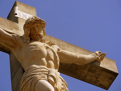 Christ on the Cross, Vía Crucis, Tandil, Argentina by Celina Ortelli on Flickr [used under Creative Commons license]