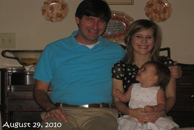 (64) Family Picture (August 29, 2010)_20100829_001