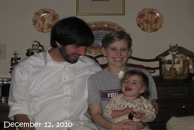 (79) Family Picture (December 12, 2010)_20101212_001