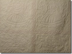 Colonial Ladies Quilt 010