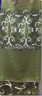 kain hijau tua
