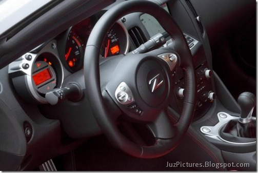 Nisan-370Z-Black-Edition-14