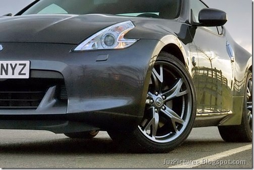 Nisan-370Z-Black-Edition-12