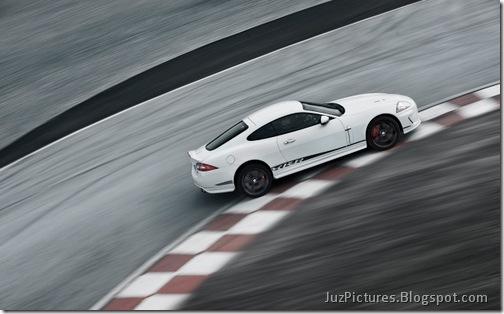 2011-Jaguar-XKR-Special-Edition-5