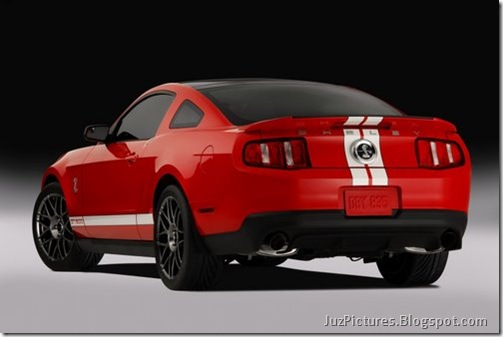 2011-Ford-Shelby-GT500-10