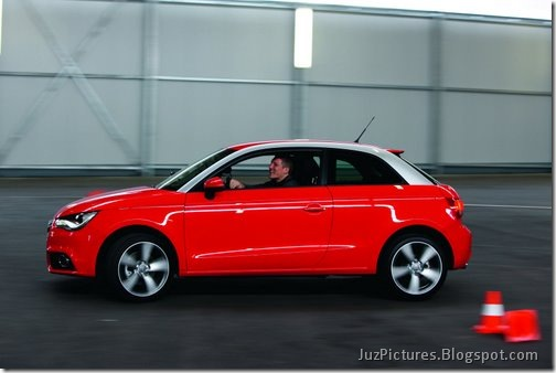 2011-Audi-A1-18