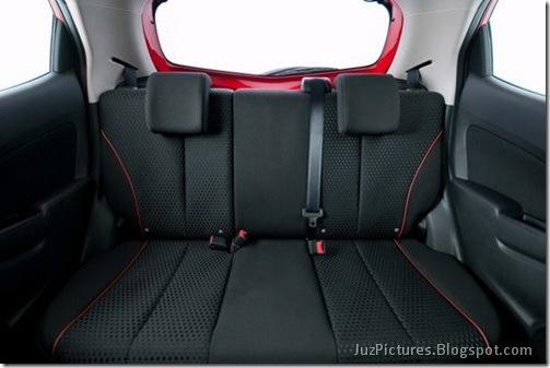 Mazda2-Interior-11