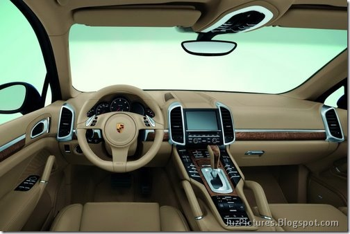 2011-Porsche-Cayenne-SUV-128