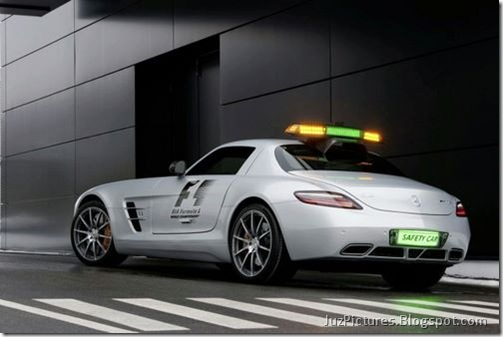 Mercedes-Benz-SLS-AMG-F1-Safety-Car-1