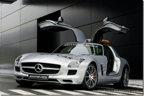 Mercedes-Benz-SLS-AMG-F1-Safety-Car-2