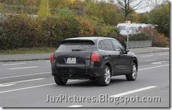 2011-porsche-cayenne-rear7