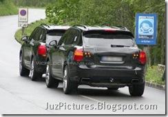 2011-porsche-cayenne-rear