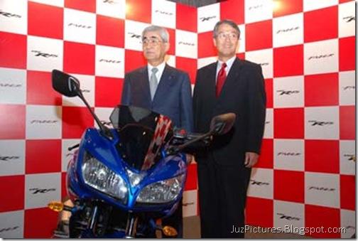 yamaha_fazer_president-blue-front