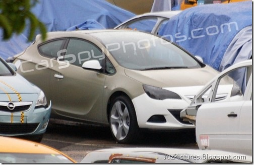 2011-Opel-Astra-Sport-Coupe