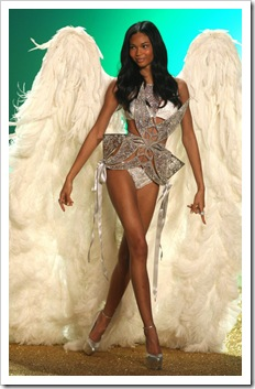 Chanel Iman 2010 Victoria Secret Fashion Show mo9bxl8TulTl