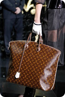 00050m  Bag Vuitton Fall Winter 2011 2012