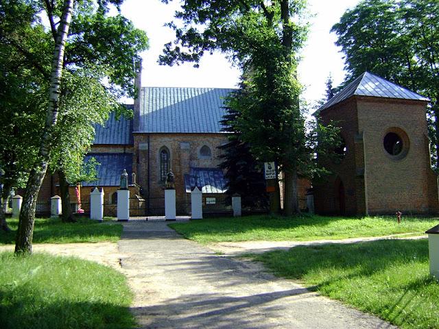 Domaniew, kościół