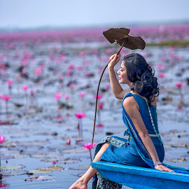Beauty at the Red Lotus Sea by Crispin Lee - People Portraits of Women