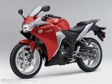 2011-Honda-CBR250R-11.jpg 2011 new honda