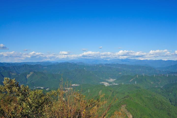 三ツ瀬明神山から南アルプスを望んだ写真