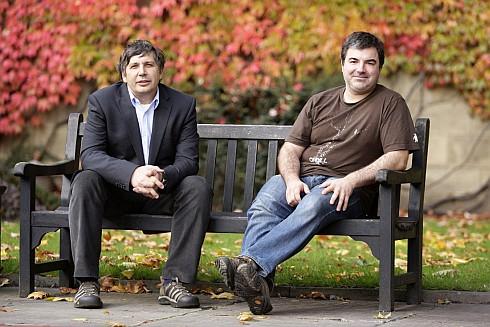 Андрей Гейм (слева) и Константин Новоселов