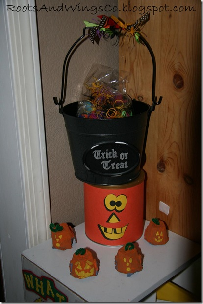 halloween party treat bucket