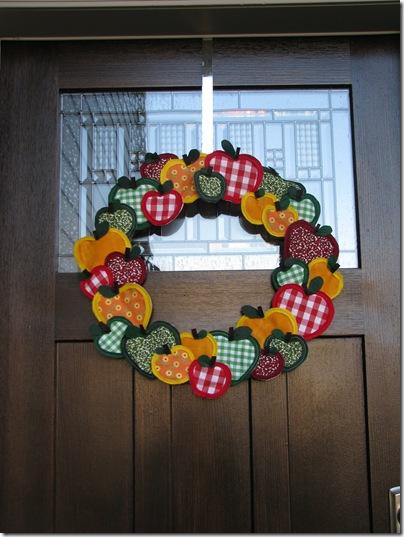 apple wreath a