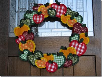 apple wreath b