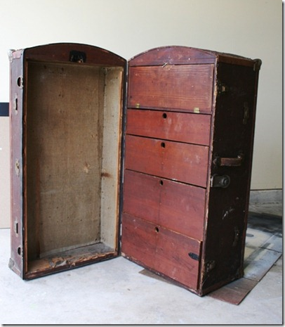 Antique Wardrobe Trunk 001