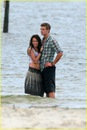 miley-cyrus-liam-hemswroth-kiss-11